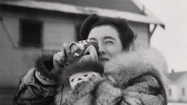 4-RG_gruber_portrait-fur-camera